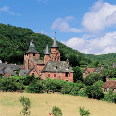 collonges-la-rouge-visit-The-most-beautiful-villages-World