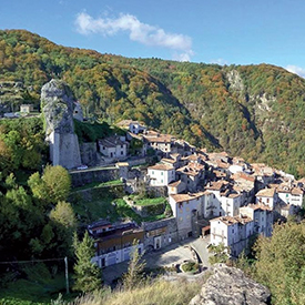 Pietracamela-Tourism-The-most-beautiful-villages-World